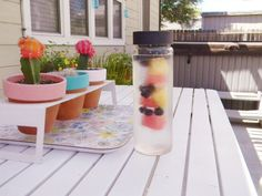 Amy from Amy is the Party tested out the Flavor Infuser Water Bottle for summer!