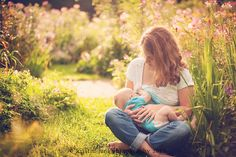 Breastfeeding portrait session | Kristin Jent Photography | www.kristinjentphotography.com | Dayton and Cincinnati Ohio Nursing Photographer