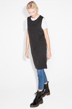 Monki Image 2 of Sleeveless dress in Black