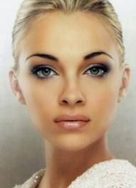 Make up smokey eye with soft natural lip and dark defined brows