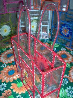 Retro Crafts, Vintage Crafts, Cute Crafts, Yarn Crafts, Diy And Crafts, Paper Crafts, Plastic Bottle Crafts, Recycle Plastic Bottles, Upcycled Crafts