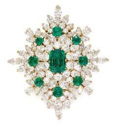 Van Cleefs & Arpels' magnificent emerald and diamond brooch Simon Teakle, Connecticut, was one of the vintage emerald jewels on display at Fine Art Asia 2013 Van Cleef Arpels, Van Cleef And Arpels Jewelry, Emerald Jewelry, Diamond Jewelry, Gemstone Jewelry, Jewelry Box, Fine Jewelry, Jewellery Earrings, Jewelry Ideas