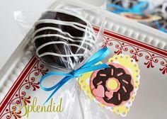 Sweet doughnut pop for Valentine's Day from Positively Splendid! #valentines