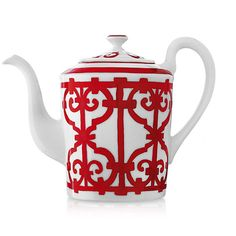 Graphic and bold, the Balcons du Guadalquivir design recalls the ironwork of Andalusian towns. The sturdiness of the drawing, the vitality of the red and the wealth and variety of the pieces make it a noble table service. Unfortunately, we are not able to sell Hermes products online at this time. Please call our toll-free customer service line at 800-223-3717 to place your order.