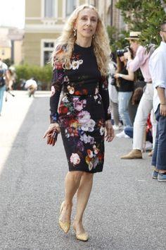 Gallery: Women's Street Style at Milan Fashion Week - Spring 2015 menswear - Photo by Anthea Simms Fashion Editor, Fashion Stylist, Italian Chic, Milan Fashion Weeks, Fashion Gallery, Feminine Style, Modest Fashion, Star Fashion, Floral