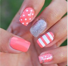 20 classic nail designs you want to try now! - Hairstyle 2019 - 20 classic nail designs you want to try now! Fancy Nails, Love Nails, Diy Nails, Trendy Nails, Style Nails, Gel Nail Art Designs, Cute Nail Designs, Pretty Designs, Coral Nail Designs