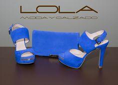 Combinar tus sandalias en ante azul klein con su cartera a juego te viene muy bien....  Pincha este  enlace para comprar tu cartera en nuestra tienda on line:    http://lolamodaycalzado.es/primavera-verano/527-cartera-de-mano-en-ante-azul-intenso-lodi.html