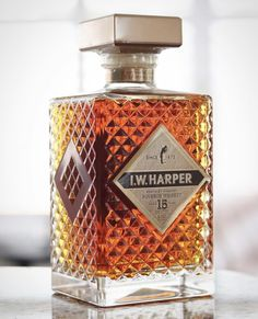 Harper 15 year Kentucky Straight Bourbon Whiskey is the oldest age-stated whiskey coming from I. Harper Distilling Company in Tullahoma, TN. Scotch Whiskey, Bourbon Whiskey, Whisky, Wine Making Process, Oldest Whiskey, Homemade Wine, Italian Wine, Abandoned Castles, Abandoned Mansions