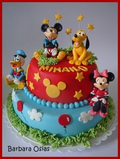 Mickey Mouse Party Birthday Cake... need to learn how to do this by April :-)