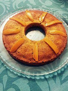 Este bolinho fiz ontem à noite na tentativa de recriar o bolinho de laranja que a minha mami costuma fazer. O dela é bastante húmido e fofo e eu estava com receio que não conseguia a mesma textura … Bolo Paleo, Foods With Gluten, Gluten Free, Baking, Desserts, Wafer Cookies, Sweets, Buttermilk Pancakes, Gluten Free Crepes