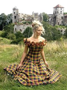 Autumn, Tartan (Plaid) Wedding Dress  (wedding?  Not too sure about that but this cut would flatter almost any woman)