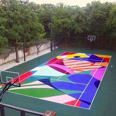 jbl art I would even play for this INCREDIBLE court by wmlachance at a nonprofit in Oregon. Art makes life good! School Murals, Basketball Art, Urban Setting, Landscape Architecture, Landscape Designs, Grafik Design, Oeuvre D'art, Installation Art, Street Art