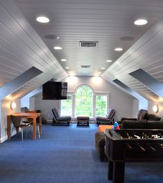 an awesome game room - Room Over Garage Design Ideas