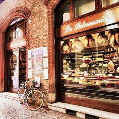 La Salumeria Bruno e Franco. Doesn't it look amazing just from the outside? #blogville #myer_taste #Bologna - Instagram by @La Cuillère à goûter