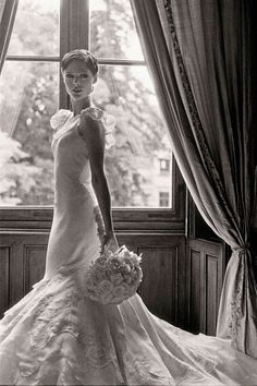 Coco Rocha http://www.vogue.fr/mariage/inspirations/diaporama/les-mannequins-en-blanc-anja-rubik-kate-moss-kendra-spears-lara-stone-bette-frank-isabeli-fontana-malgosia-bella-coco-rocha-jerry-hall/15361/image/847115#!les-mannequins-en-blanc-coco-rocha-mariage-robe-de-mariee