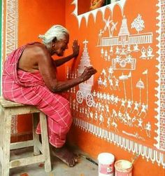Indoor Gardening Quick, Clean Up, And Pesticide Free - Make Your Own Warli Painting Process . Indian Arts And Crafts, Art Painting, Worli Painting, Mural Art, Pottery Painting Designs, Wall Painting, Traditional Wall Art, Folk Art Painting, Tribal Art Designs