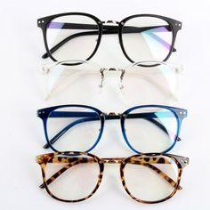 Channel your inner nerd with this geek-chic eyeglasses. Comes with clear  lenses. Óculos De Armação RedondaOculos De Grau ... 6e8bb5e152