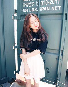 Korean Fashion – How to Dress up Korean Style – Designer Fashion Tips Korean Fashion Ulzzang, Korean Fashion Trends, Korean Street Fashion, Korea Fashion, Korean Outfits, Asian Fashion, Asian Street Style, Asian Style, Korean Style