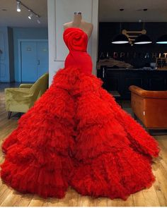 "@igluxeweddings on Instagram: ""Would you say YES to this dress? Dress by @valdrinsahitiofficial ———— #bride #weddingdress #weddinggown #weddingvideo #bellanaijaweddings…"""
