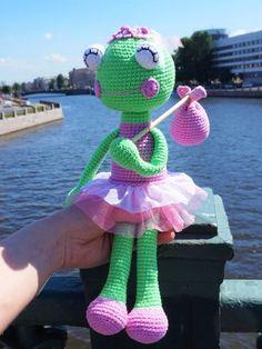 Check this free crochet ballerina frog pattern!