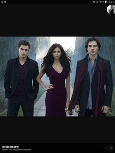 Vampire diaries: Stefan Salvatore (Paul Wesley), Elena Gilbert (Nina Dobrev), and Damon Salvatore (Ian Somerhalder) Vampire Diaries Stefan, Serie The Vampire Diaries, Vampire Diaries Fashion, Vampire Diaries Wallpaper, Vampire Diaries Seasons, Vampire Diaries The Originals, Nina Dobrev Vampire Diaries, Elena And Stefan, Elena Damon