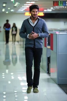 Dulquer Salman HQ Photos from 100 Days of Love on Silverscreen. 100 Days Of Love, Malayalam Cinema, Actors Images, Poses For Men, Actor Photo, Film Industry, 100th Day, Celebs, Celebrities