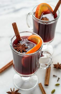 Crockpot Spiced Wine | Warm and Fancy Crockpot Drinks You Can Serve This Winter