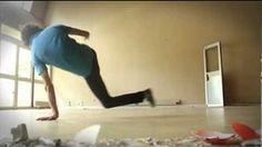 Yogastyled BreakDancer