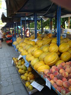 Un aperçu du marché à Varna #Bulgarie Pumpkin, Europe, Vegetables, Food, Bulgaria, Travel, Kitchens, Pumpkins, Veggie Food
