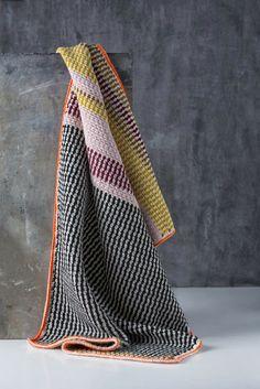 Manta de crochet | talleres de crochet en nuestra tienda Bordar Vigo