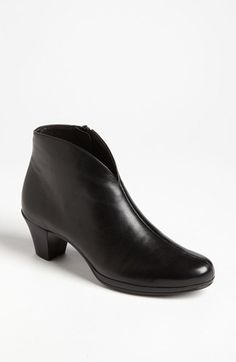great brand - nice silhouette on these Munro 'Robyn' Boot available at #Nordstrom