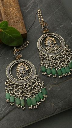 Indian Jewelry Earrings, Indian Jewelry Sets, Indian Wedding Jewelry, Jewelry Design Earrings, Ear Jewelry, Bridal Jewelry Sets, Fashion Earrings, Fashion Jewelry, Designer Earrings