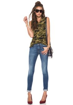 Summer into Fall Casual: Camo Top + Skinny Jeans + Heels Skinny Jeans Heels, Fashion Outfits, Womens Fashion, Fashion Tips, Fashion Ideas, T Shirt And Jeans, Cut Jeans, Fashion Project, Revolve Clothing
