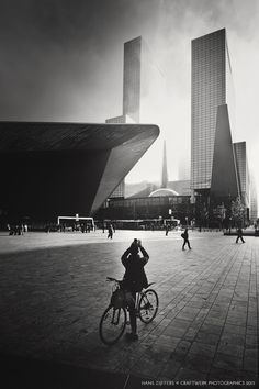 Morning sun and foggy weather at the new Central Station in Rotterdam. #rotterdam #cs #craftwerk
