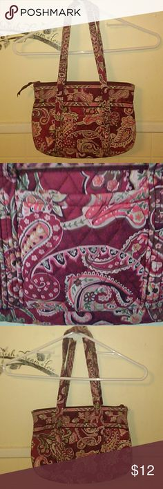 Vera Bradley Medium Size Shoulder Bag Vera Bradley Medium Size Shoulder Bag. In pretty good condition with only a little fraying on the handles in one spot and some wear on corners of bottom of bag (see pictures). Make offer! Vera Bradley Bags Shoulder Bags