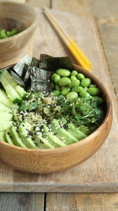 Vegetarian sushi bowl with avocado Eat. Raw Food Recipes, Veggie Recipes, Easy Dinner Recipes, Vegetarian Recipes, Healthy Recipes, Vegetarian Bowl, Avocado Recipes, Guacamole, Recipes