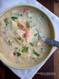 Irish Seafood Chowder ~ Sumptuous Spoonfuls On my quest to find more Irish dishes besides the corned beef and cabbage gig, I pondered what else would the Irish make? Well, there is a LOT of ocean around Ireland, so they must have seafood, ye… Seafood Stew, Seafood Dishes, Seafood Recipes, Cooking Recipes, Irish Seafood Chowder Recipe, Seafood Bisque, Dinner Recipes, Fish Dishes, Salmon Recipes