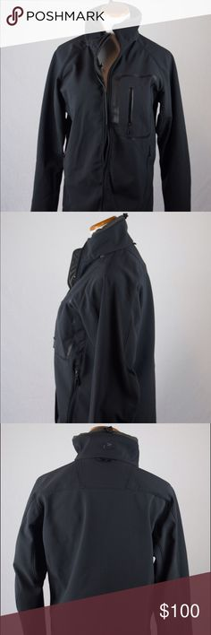 Columbia Men's Titanium Jacket Male medium black Columbia Titanium jacket. This Columbia jacket was hand picked and professionally cleaned before selling it to you! SKU in warehouse is # 683. Columbia Jackets & Coats