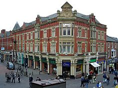 Image: 'The Farmers Arms Hotel (Victorian), on the+corner+of+Cheapside/Orchard+St.++Preston,+Lancashire.+UK.', found on flickrcc.net