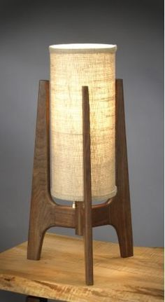 Mid Century Modern Table Lamp Deco Luminaire, Luminaire Design, Rustic Lamps, Diy Holz, Bedroom Lamps, Unique Lamps, Led Lampe, Home Lighting, Wall Lighting