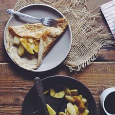 Crêpes with Vanilla-Maple Apples