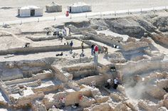 Ancient artefacts unearthed at Bahrain Fort. A clay tablet bearing ancient cuneiform script dating back to between 503BC and 504BC was discovered during a seven-week excavation in the southwestern side of Bahrain Fort, along with a golden plate that has a figure of a woman engraved on it date to between the first century BC and first century AD. Ancient Artefacts, Ancient Civilizations, Ancient Aliens, Ancient History, Archaeological Discoveries, Archaeological Finds, Bronze Age Civilization, Site History, Middle Eastern Art
