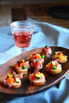 生ハムとドライトマトのブルスケッタ|レシピブログ