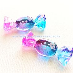Melted Perler Bead Crafts - - - Summer Crafts To Sell Sewing Projects - Kawaii Jewelry, Kawaii Accessories, Cute Jewelry, Mode Rose, Diy Resin Crafts, Bead Crafts, Resin Charms, Bottle Charms, Magical Jewelry