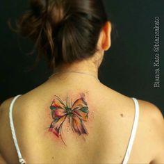 Tatuagem feita por @biancakato❤️ Bianca Kato  JACK TATTOO - SP - BR   Tatuadora   jacktattoo.bianca@gmail.com ☎️ (11) 3858-3491 myurakato.tumblr.com #laço #fofo #tattoo #tatuagem #arte #art #drawing #saopaulo #sp #alamedalorena #jardins #ruaaugusta #galeriadorock #realismo #qualidade #profissional #jacktattoo #aquarela #watercolor #inspirationtatto #tattoo2me #t4ttoois #tatuagemfeminina #tatuagemmasculina #tattoosincriveis #tatuadoresbrasileiros #tattoobr #tatuagensemfotos #tonoin...