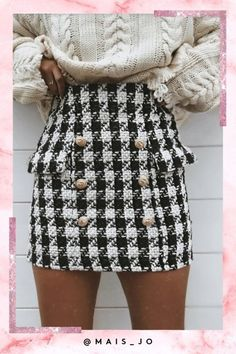 dog tooth vibes 🖤 freshen up that drobe like in the alice black and white dog tooth mini skirt 🔥 shop via link in bio 👆🏼 White Skirt Outfits, Pencil Skirt Outfits, Preppy Outfits, Fall Outfits, Cute Outfits, Tweed, Skirt Fashion, Fashion Outfits, Style Fashion