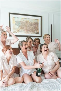 bride and bridesmaids pop champagne during South Carolina wedding prep   Runnymeade Plantation Charleston wedding in the springtime photographed by Charleston SC wedding photographer Kate Dye Photography. #KateDyePhotography #RunnymeadePlantationWedding #CharlestonWedding Bridesmaid Robes, Brides And Bridesmaids, Classic Wedding Inspiration, Wedding Morning, Wedding Prep, Bridal Robes, Charleston Sc, Green Wedding, Charleston