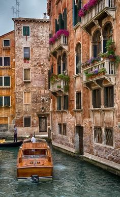 Venice, Italy. Places to travel before you die.