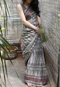 Buy online Sarees - Grey uzbek cotton saree from Translate Handwoven Ikat Indian Attire, Indian Ethnic Wear, Indian Dresses, Indian Outfits, Pakistani Outfits, Formal Saree, Simple Sarees, Stylish Sarees, Saree Look