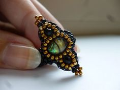 Anillo perlas fantasía exótica